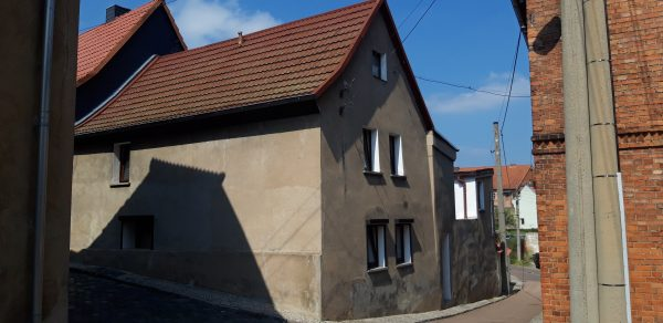 OBJEKT IST RESERVIERT Gerbstedt: Stadthaus in ruhiger Wohnlage günstig zu verkaufen