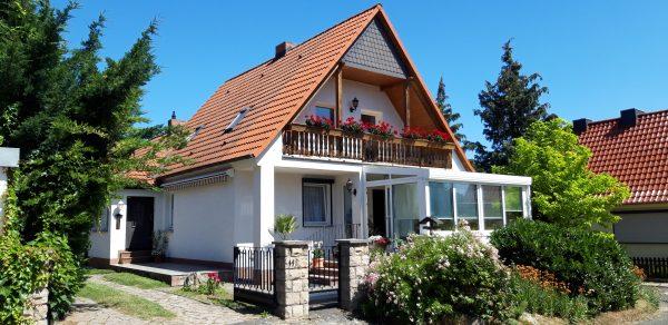 OBJEKT IST RESERVIERT Heiligenthal: frei stehendes saniertes Haus in Top Lage zu verkaufen Preis VB