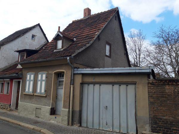 OBJEKT IST RESERVIERT Aschersleben: kleines Haus im Stadtzentrum günstig zu verkaufen!