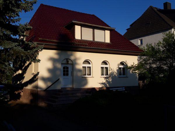 OBJEKT IST RESERVIERT Mansfeld: kleine Villa mit Schloßblick zu verkaufen!