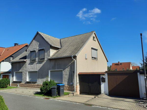 Benndorf: solides Einfamilienhaus mit Garten zu verkaufen!