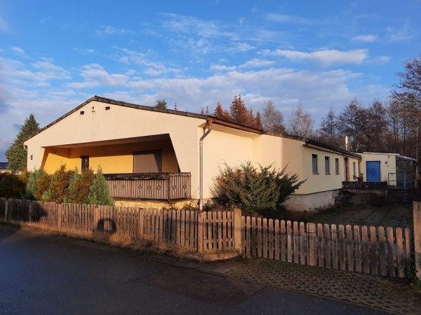 OBJEKT IST RESERVIERT Hettstedt: Wohnhaus (eingeschossig) in ruhiger stadtnaher Lage zu verkaufen!