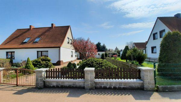 Hettstedt: rechte Doppelhaushälfte in Top Wohnlage zu verkaufen!
