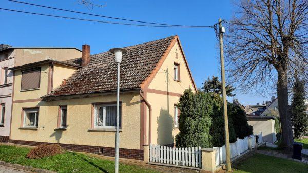 Siersleben: Einfamilienhaus mit Garten und Garage in sehr schöner Lage zu verkaufen!
