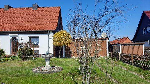 OBJEKT IST RESERVIERT Hettstedt: voll saniertes Haus mit Garten und Doppelgarage zu verkaufen!