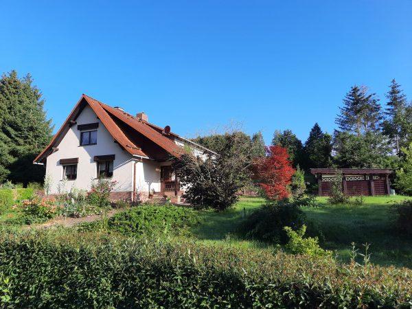 OBJEKT IST RESERVIERT Mansfeld: Einfamilienhaus auf großem Gartengrundstück in Alleinlage zu verkaufen!