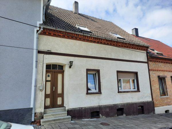 Helbra: Einfamilienhaus mit Garten in ruhiger Wohnlage zu verkaufen!