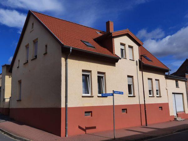 OBJEKT IST RESERVIERT Helbra: großes solides Wohnhaus mit Nebengelass zu verkaufen!